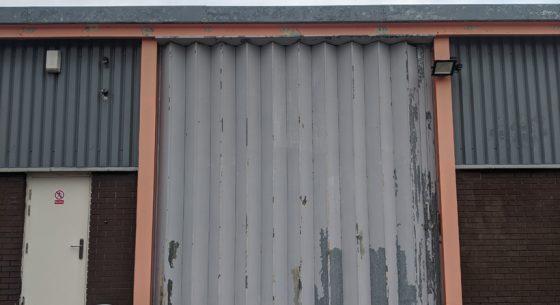 Dee Gee door before coating